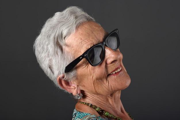 Portrait of a senior  woman with glasses Premium Photo