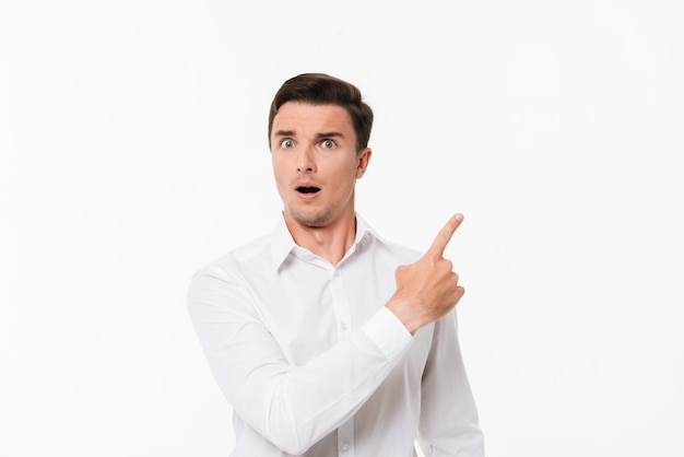 Portrait of a surprised astonished man Free Photo