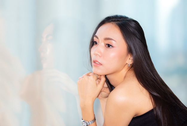 Portrait of young asian woman smiling Premium Photo
