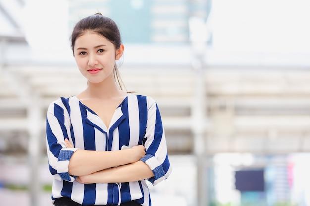 Portrait young business woman Premium Photo