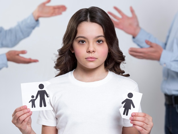 Portrait of young girl sad for parents divorce Free Photo