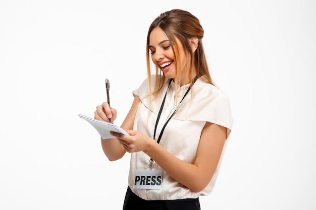 Ritratto di giovane imprenditrice di successo su sfondo bianco. Foto Gratuite