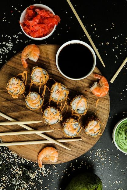 Креветки темпура рис рыба имбирь васаби кунжут Бесплатные Фотографии