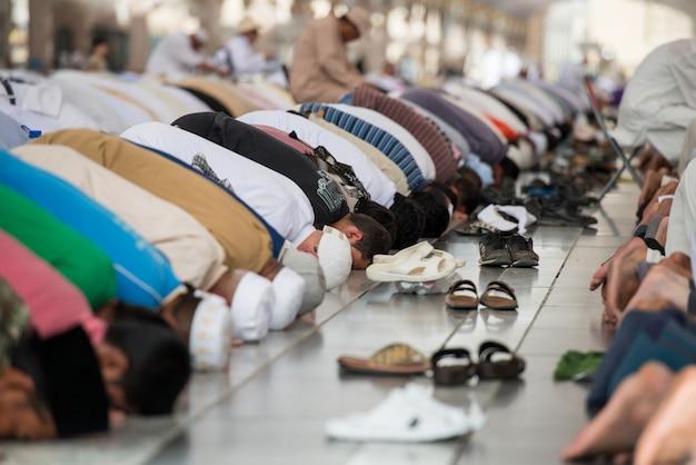 Praying together Premium Photo