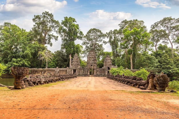 Храм преа хан в ангкор-ват в сием рипе Premium Фотографии