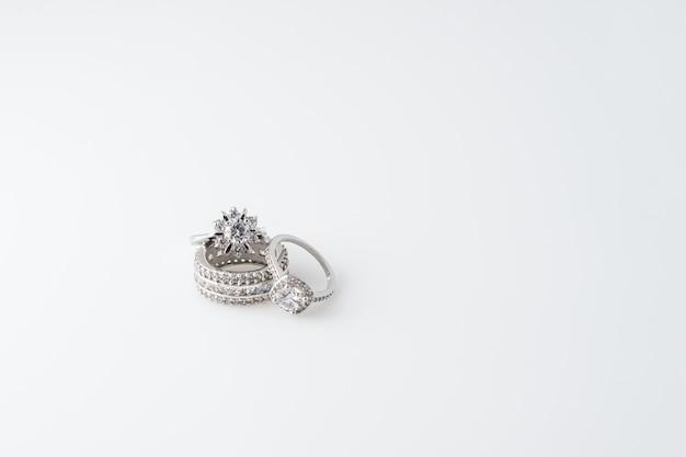 ダイヤモンドをあしらったプレシャスシルバーリング Premium写真