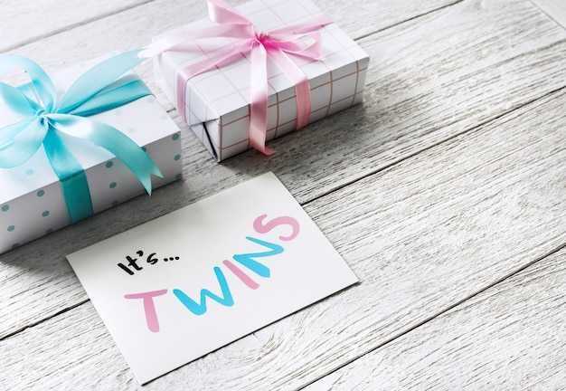 Pregnancy announcement, it's twins Premium Photo