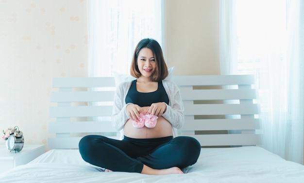 asian-pregnant-woman-sloppy-gif-porn