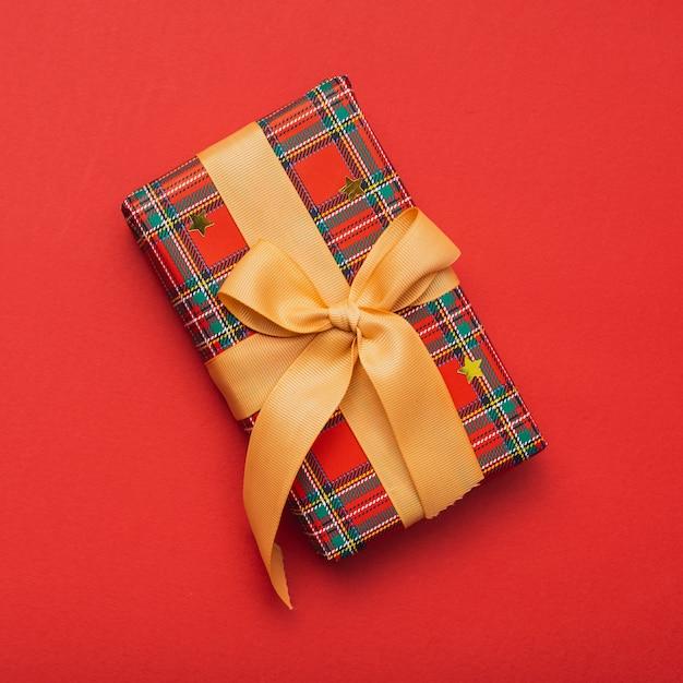 Подарок на рождество с лентой Бесплатные Фотографии