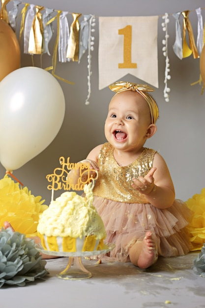 Superb Pretty Little Girl With Birthday Cake Cute Baby On Her Birthday Funny Birthday Cards Online Elaedamsfinfo