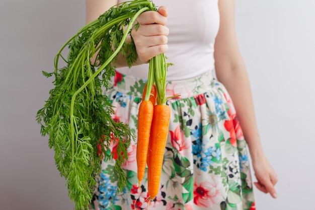 Process of making juice, process preparation of fresh juice, carrot juice Premium Photo