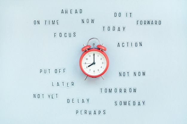 Of procrastination and time management Premium Photo