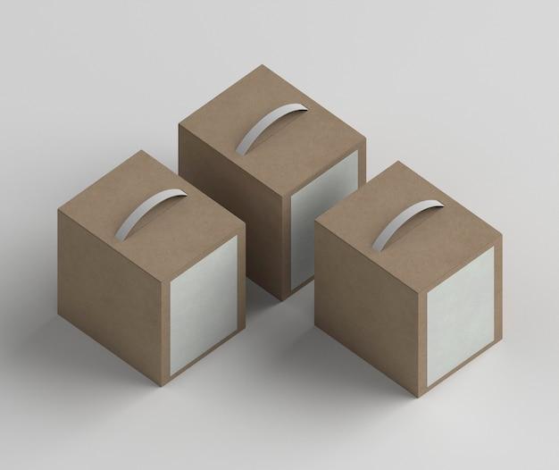 Расположение коробок с продуктами под большим углом Бесплатные Фотографии