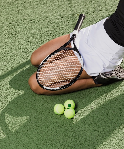 Professional athlete with tennis equipment Free Photo