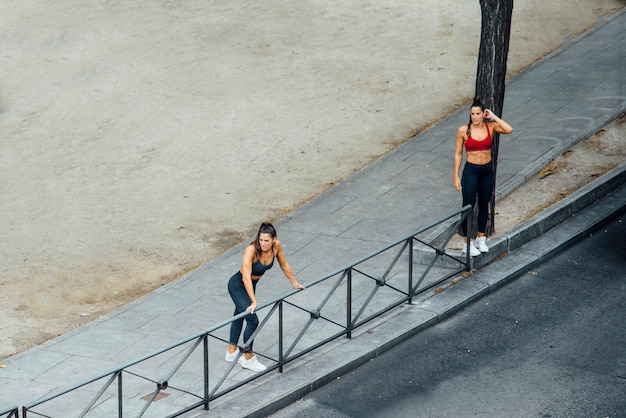 Professional runners having fun in the street Premium Photo