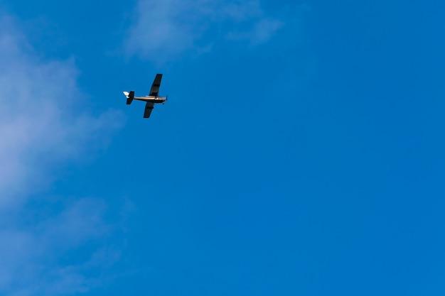 Propeller aircraft Premium Photo