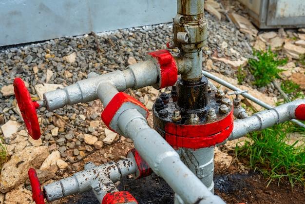 石油および天然ガス生産用のポンプ場要素 Premium写真