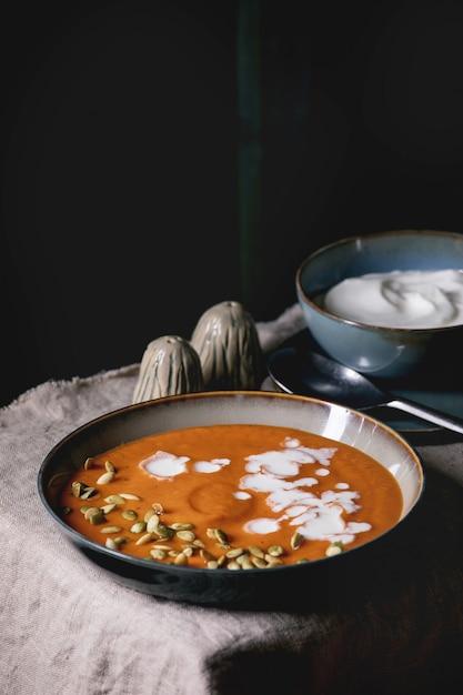 Pumpkin soup with cream Premium Photo