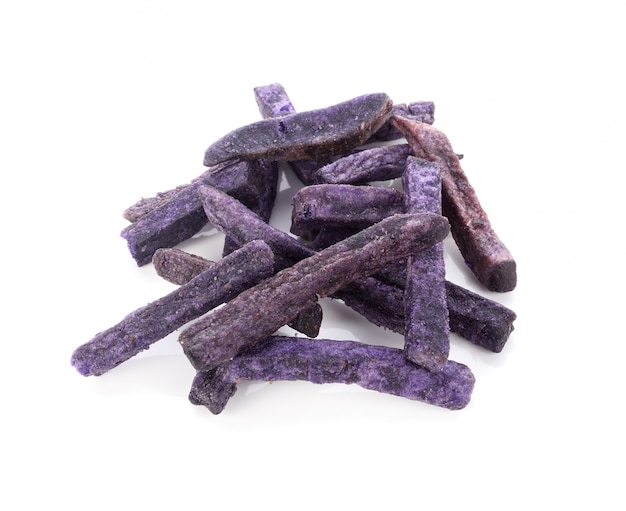 Фиолетовый картофель закуска изолировать на белом фоне Premium Фотографии