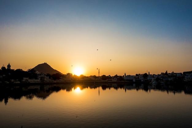 Pushkar lake a sacred lake, rajasthan, india Premium Photo