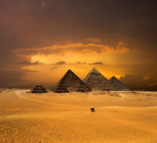 Pyramids with a beautiful sky of giza in cairo, egypt. Premium Photo