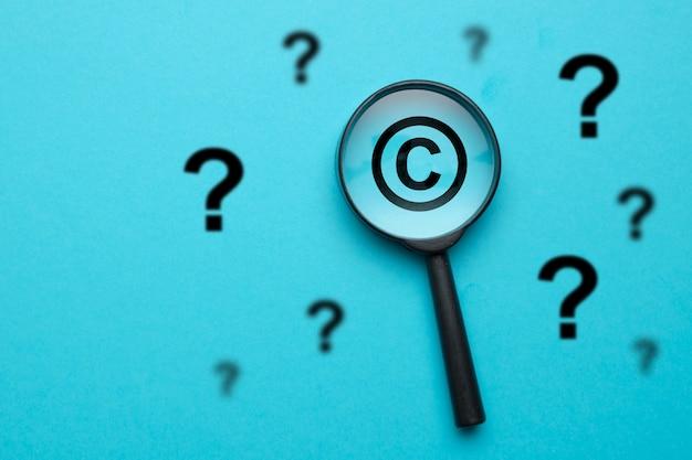 Концепция вопросов и ответов в области авторского права. Premium Фотографии