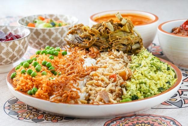 Quzi, qoozi, iraqi quzi,  egyptian cuisine, middle eastern food, arabian mezza, arabian cuisine, arabian food Premium Photo