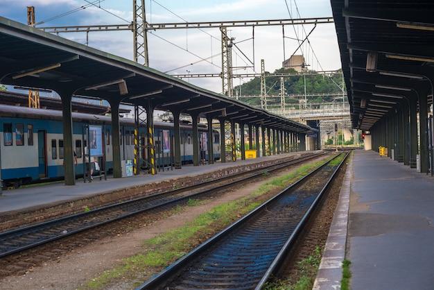 プラハの鉄道駅 Premium写真