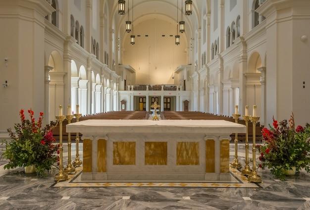 ローリーノースカロライナusaイエス大聖堂の聖名 Premium写真