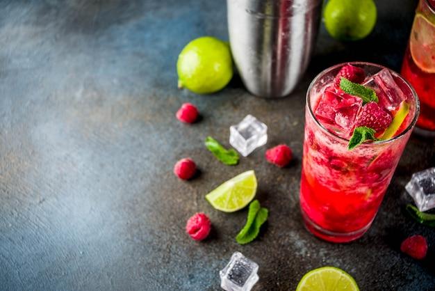 Raspberry and lime lemonade Premium Photo