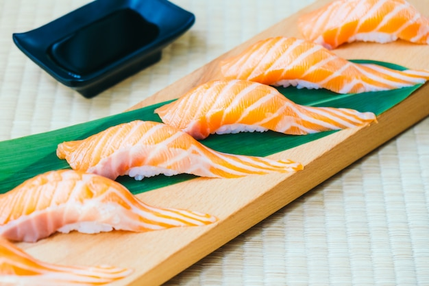 Raw with fresh salmon fish meat sushi Free Photo