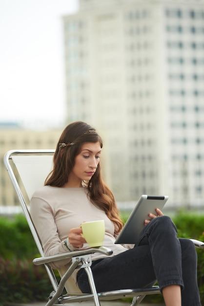Reading e-book Free Photo