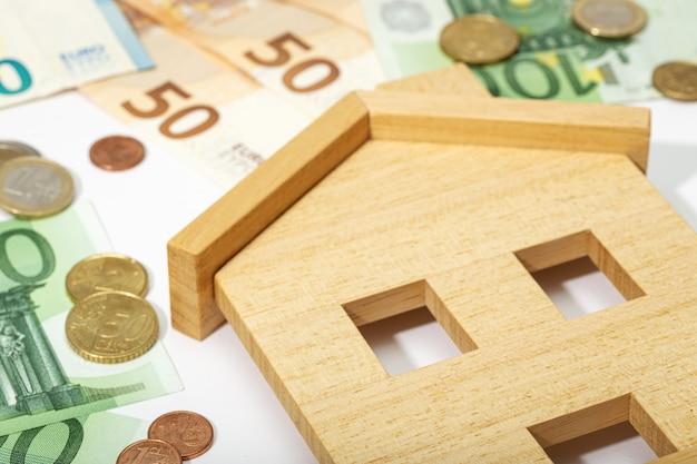 Недвижимость фон. купить, продать или арендовать дом концепции. цены на жилье Premium Фотографии