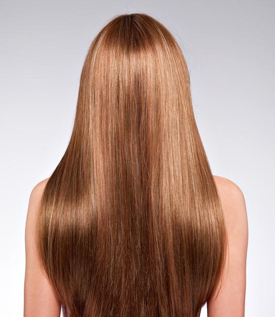 긴 머리를 가진 여자의 뒷모습-스튜디오 무료 사진