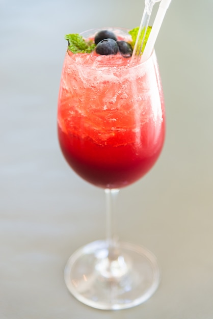 Red berry cocktails Free Photo