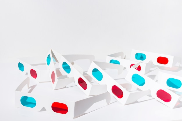 Red and blue 3d glasses isolated on white background Free Photo