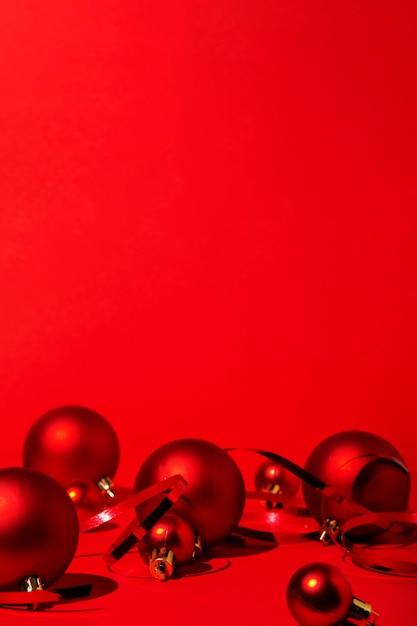 Красное рождество на красном фоне Бесплатные Фотографии