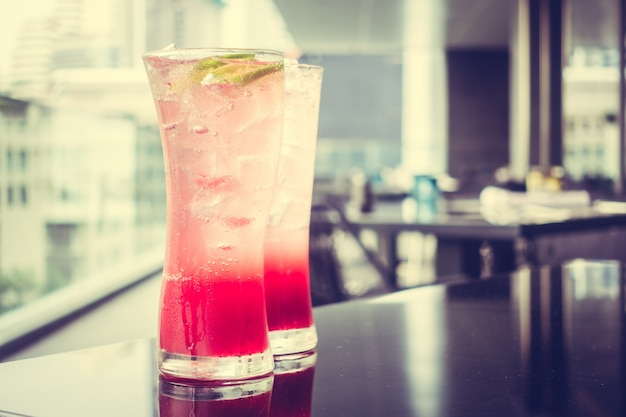 Red drinks with ice Free Photo