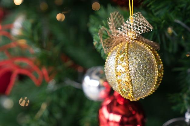 Red Green Gold Bokeh Christmas Tree Photo Premium Download
