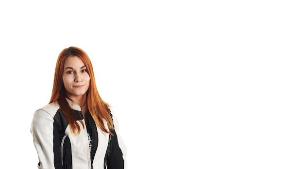 モト機器の赤い頭の女の子の肖像画 無料写真
