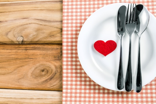 Awesome Red Heart Shape With White Empty Plate With Fork And Spoon Download Free Architecture Designs Scobabritishbridgeorg