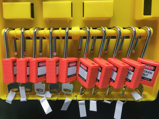 Red key lock and tag for process cut off electrical