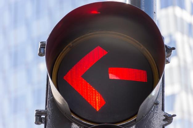 Luce rossa sui semafori all'aperto Foto Gratuite