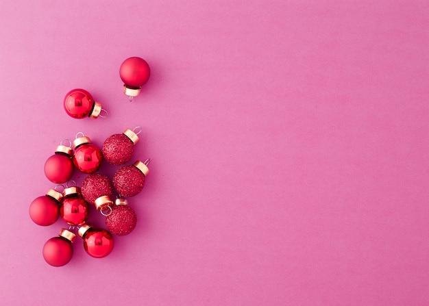 Red ornament christmas balls Premium Photo