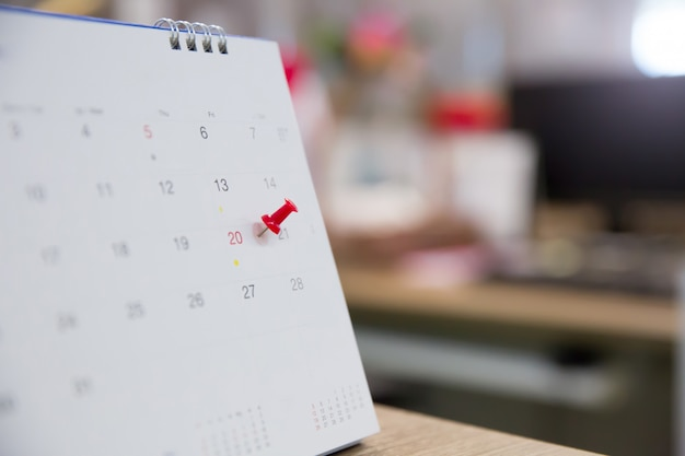 Red pin with calendar for event planner is busy Premium Photo