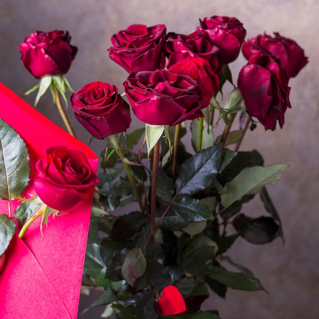 Red Rose Bouquet On Grey Background Photo Free Download