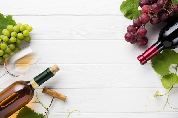 Red and white wine with copy space Free Photo