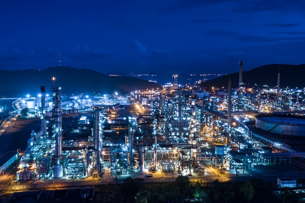 Refinery oil and gas production industry and mountain Premium Photo