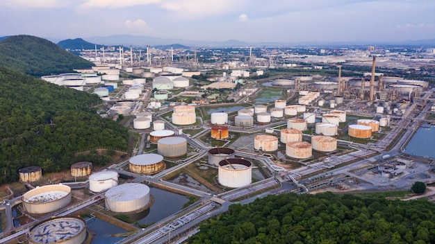 Refinery petrochemical industry oil gas  zone business imports and export international Premium Photo