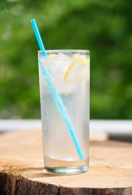 Refreshing lemonade Free Photo